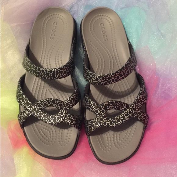 84cb404fc7d75b CROCS- Disney Shoes - New Disney women s Crocs sandals